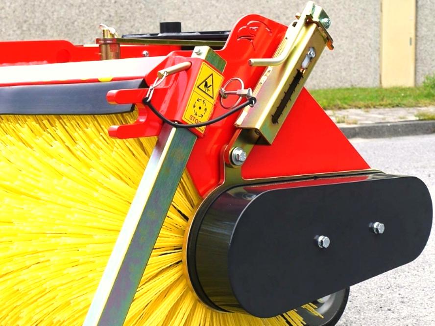 Anbaukehrmaschine | Kehrmaschine K560